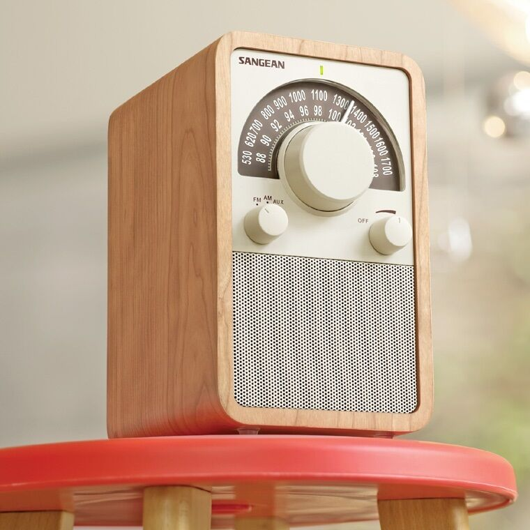 sangean am fm table top wooden radio walnut wr 15wl fm radio new ebay. Black Bedroom Furniture Sets. Home Design Ideas
