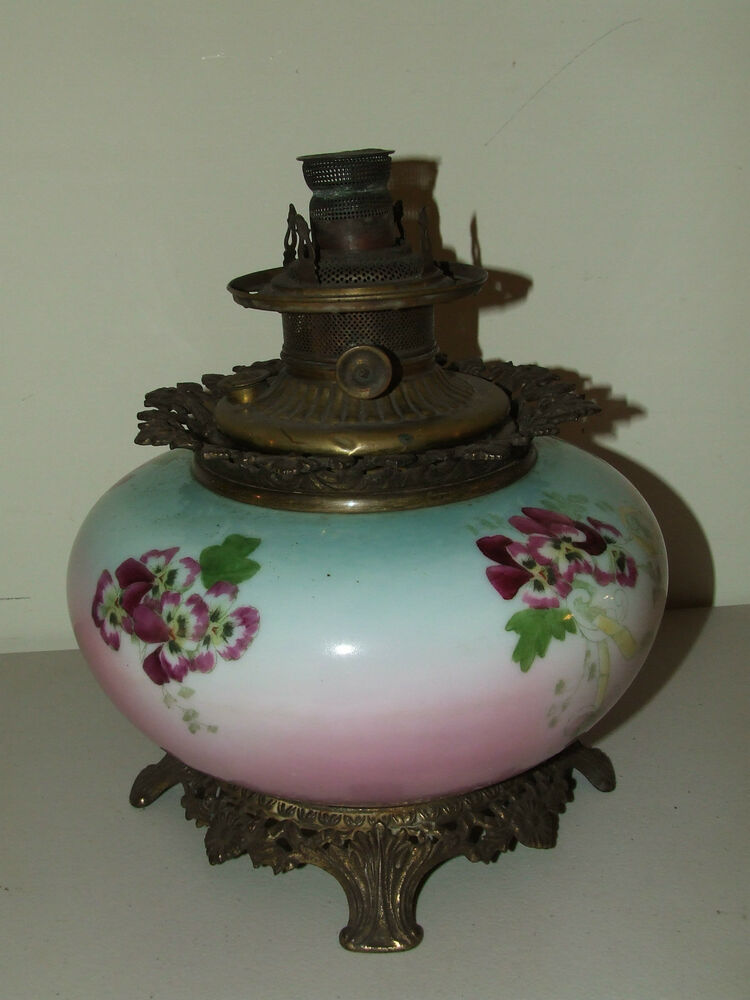 Antique Large Boyd Victorian GWTW Hand Painted Porcelain Banquet Oil Lamp C 1