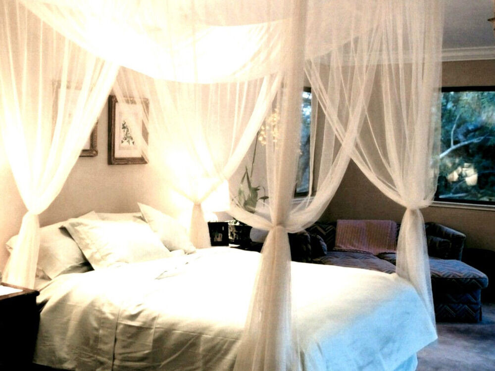 4 Post Bed Canopy Four Corner Mosquito Bug Net Queen King