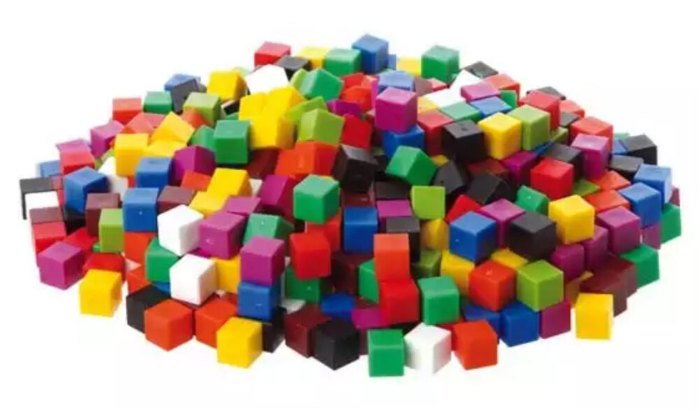 English In Italian: Counting Centimetre Cubes 1cm Coloured Maths Volume