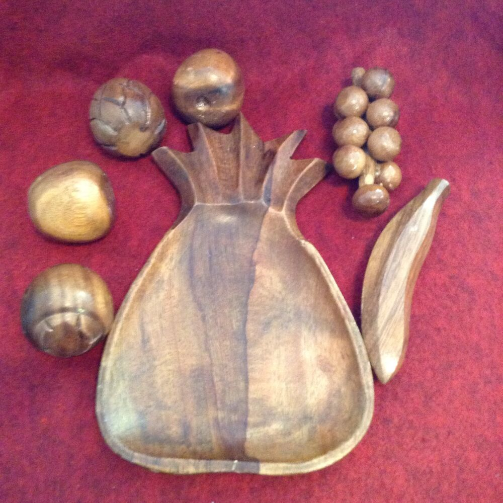 Wooden fruit basket bowl centerpiece carved with loose