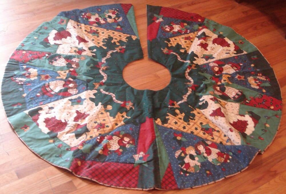 Gently Used Handmade Quilted Christmas Tree Skirt