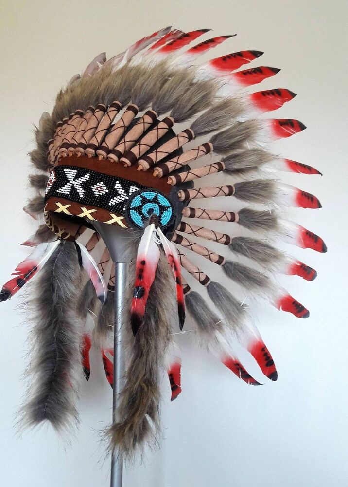 NATIVE AMERICAN STYLE HAND CRAFTED SHORT HEADDRESS CHIEF