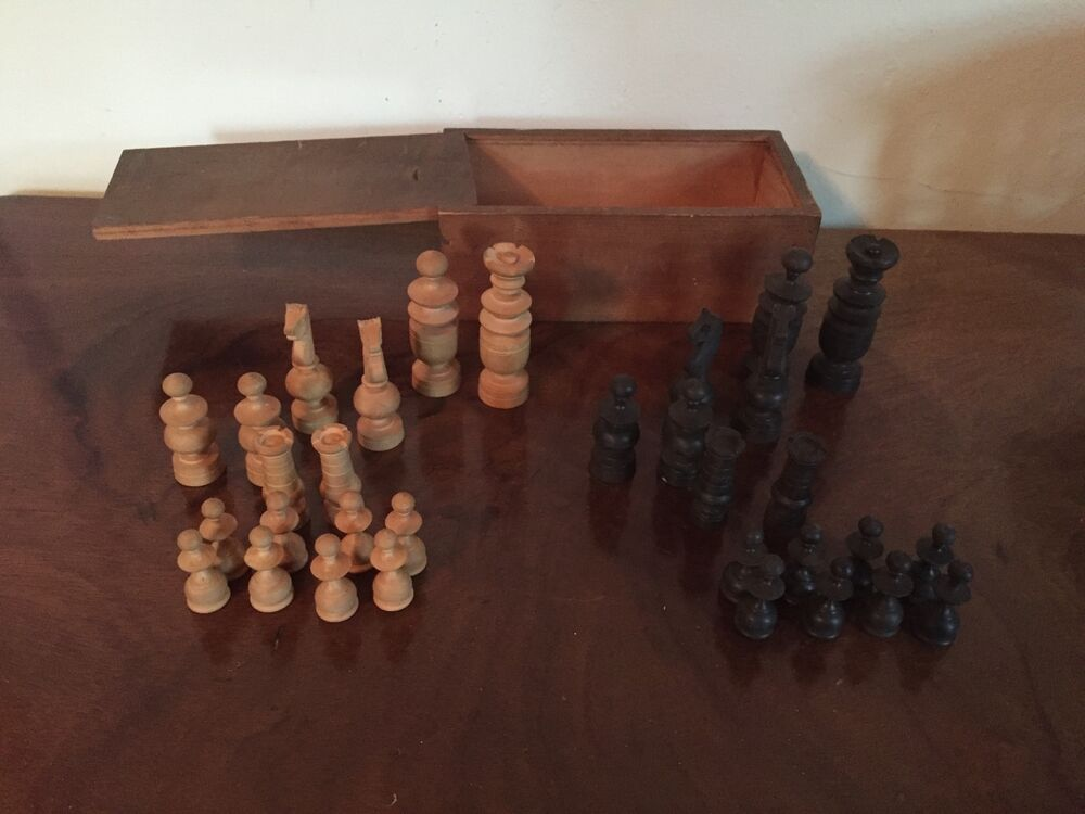 antique carved wood chess set in original wood box with sliding lid king queen ebay. Black Bedroom Furniture Sets. Home Design Ideas