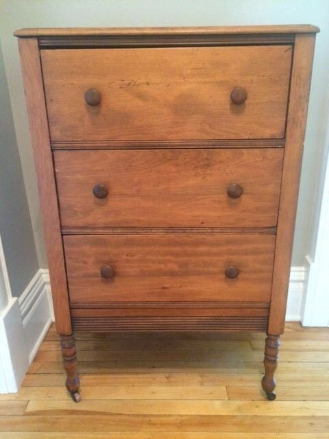 Early American Antique Dresser 3 Drawer Chest Of Drawers