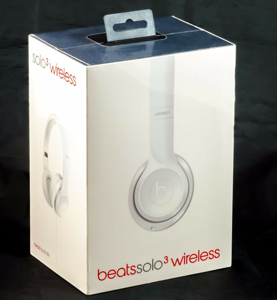 Beats solo3 wireless bluetooth on-ear headphones with mic/remote gloss white