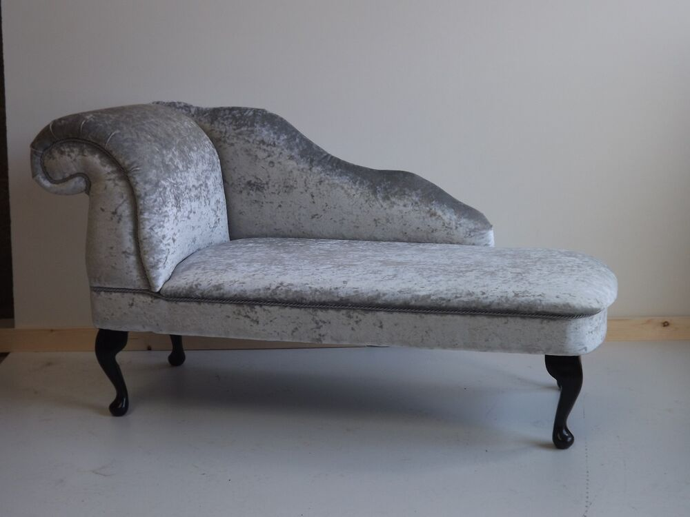 Chaise longue in silver crushed velvet ebay for Black and silver chaise longue