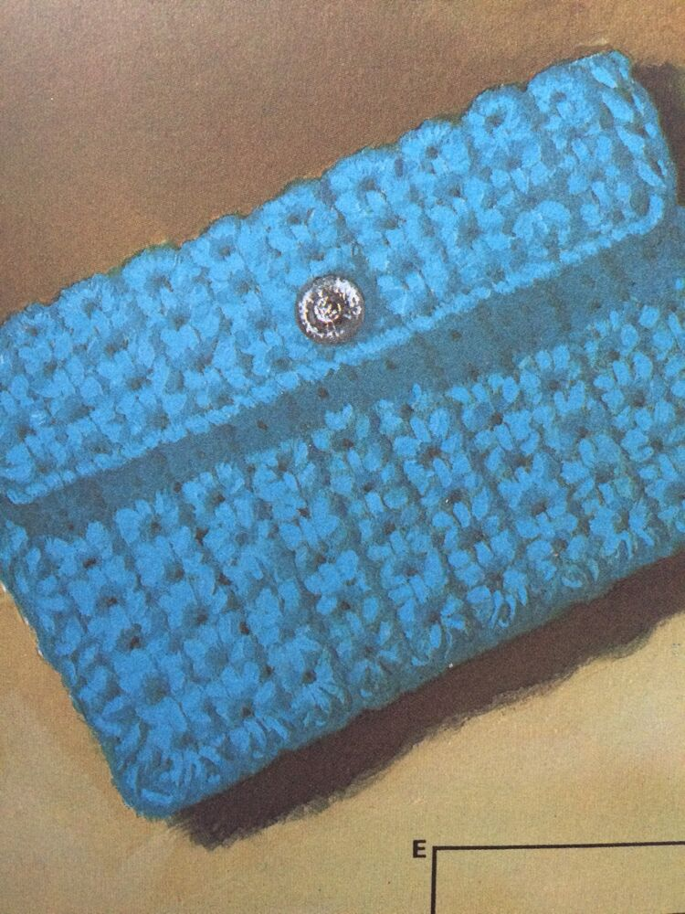 Easy Beginner Crochet Bag Patterns : Beginners Easy Crochet Purse For Your Pocket Money Crochet ...