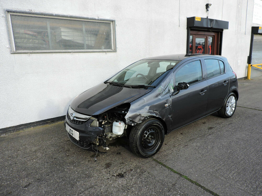 12 vauxhall corsa auto se damaged salvage repairable. Black Bedroom Furniture Sets. Home Design Ideas