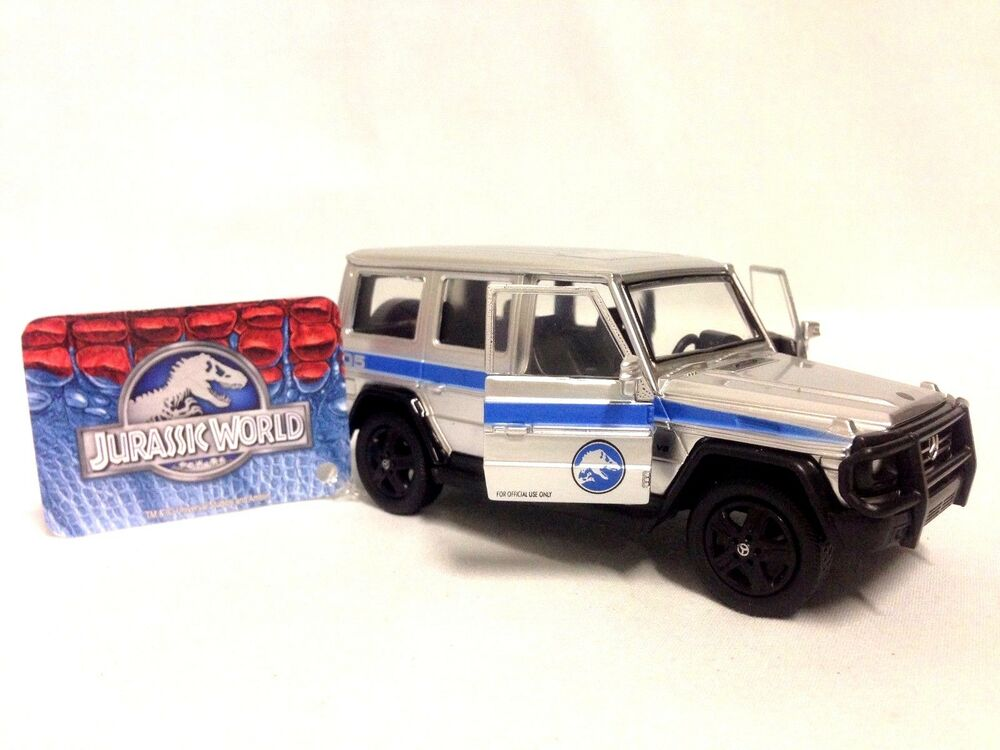 Jurassic world 2015 movie mercedes benz g550 truck 1 43 for Mercedes benz truck toys