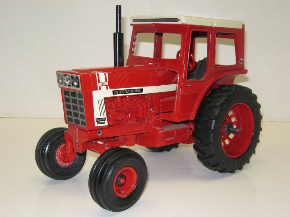 1  16 International Harvester 100 Hydro No Box Free