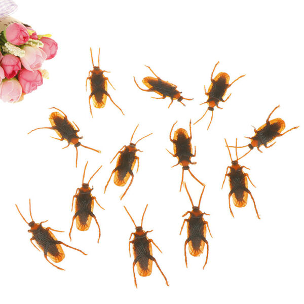 12Pcs Brown Cockroach Trick Toy Party Halloween Haunted House Prop Decor BC