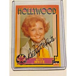 Kyпить Betty White Signed 1991 Hollywood Card # 148 - PSA/DNA Pre-Certified Auto! на еВаy.соm