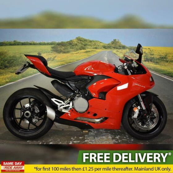 Ducati Panigale V2 2020, 3940 miles, One owner