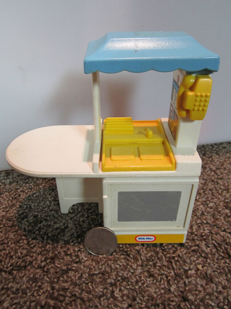 Little Tikes Dollhouse Size Play Doll House Kitchen Toy