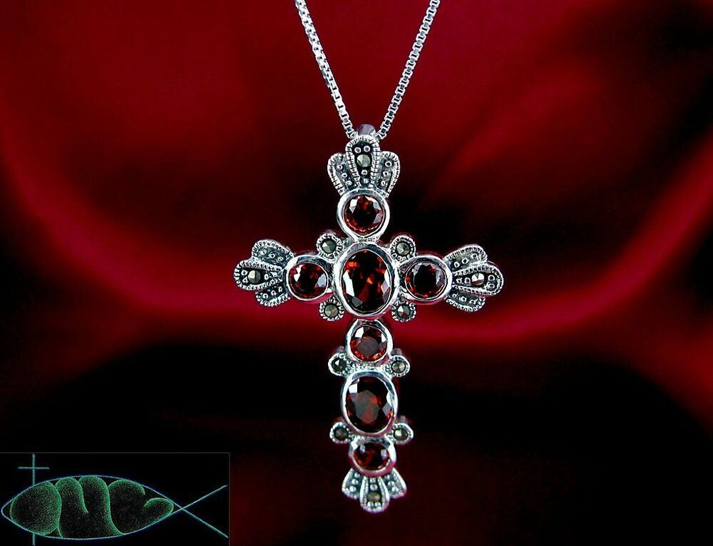 solid 925 sterling silver garnet red cross pendant your. Black Bedroom Furniture Sets. Home Design Ideas