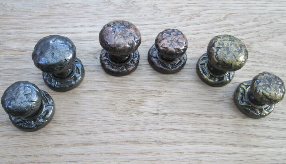 black antique cast iron cupboard cabinet drawer kitchen door knobs pull handles ebay. Black Bedroom Furniture Sets. Home Design Ideas