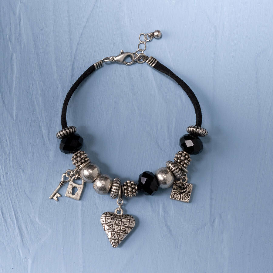 Bracelet With Hearts: Jim Shore Jewelry Collection
