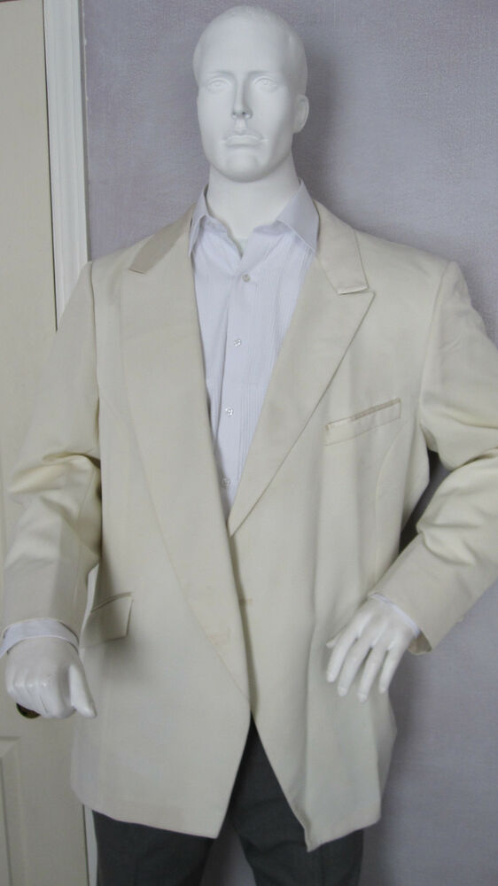 Of all the different colors that are available, a white tuxedo jacket remains a timeless classic. These white jackets can perfectly complement a variety of outfit styles, and it is a color that easily blends in with other color options.