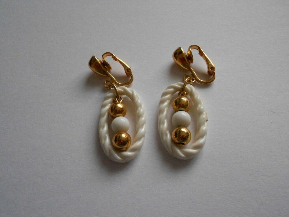 White Plastic Dangle Gold Tone Clip On Earrings | eBay