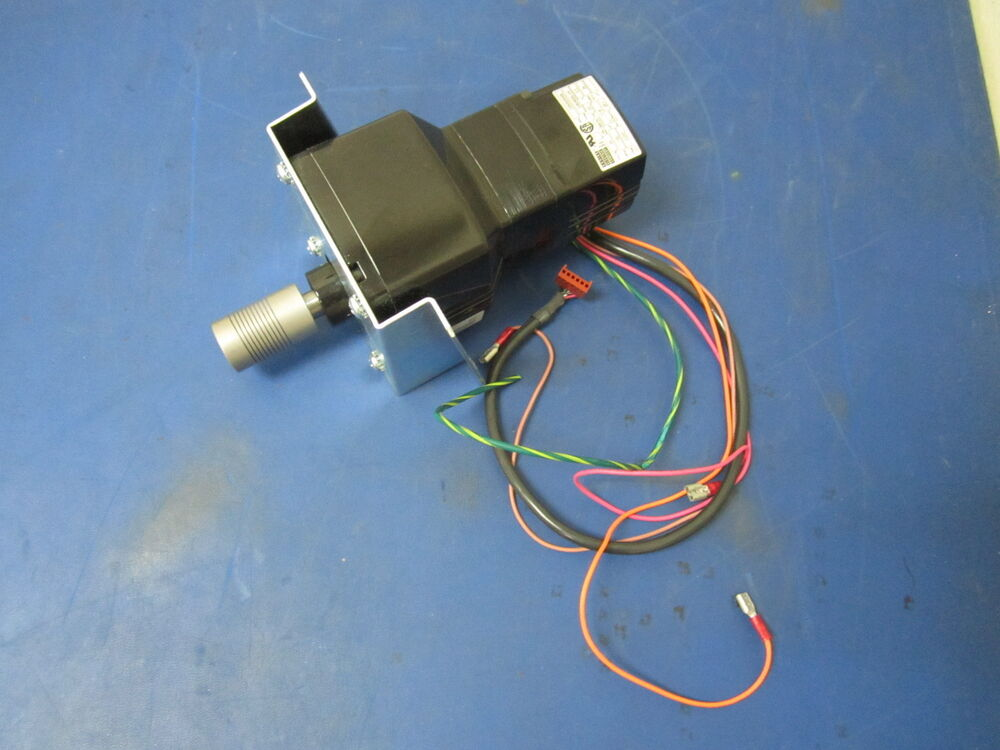 Bodine electric 24 volt 3 3a 100 rpm 1 16 hp dc motor for Dc motor 1 3 hp