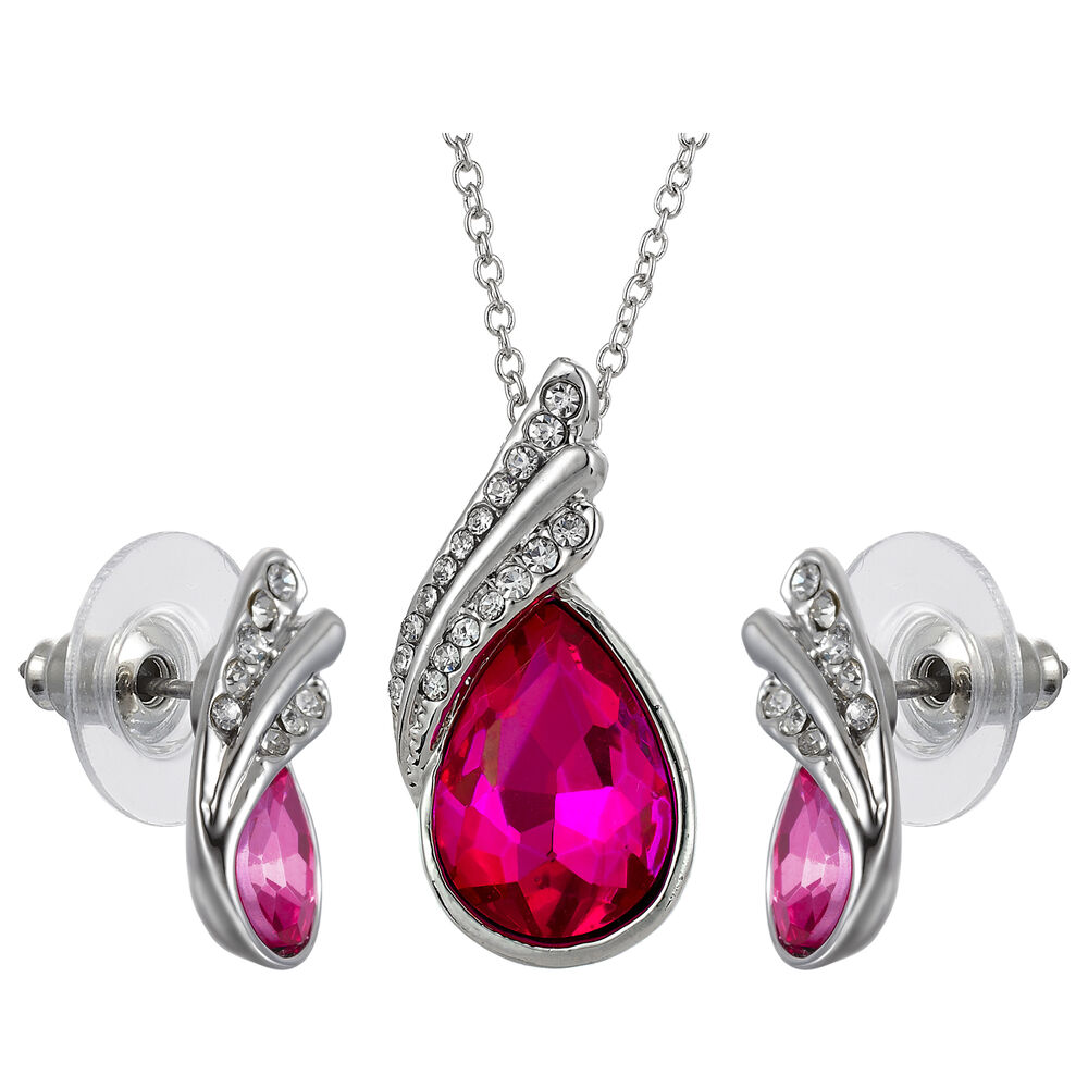 Explore ruby ring and earring sets that will become family heirlooms, just like your Grandmother's much-loved parure. JTV can help you find modern and classic jewelry sets .