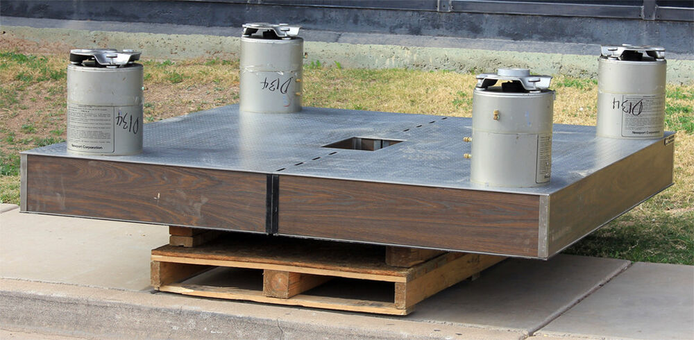 Newport Bench Part - 44: Newport Research Anti-Vibration Isolation Optics Bench Table With 4 XL-A  Legs