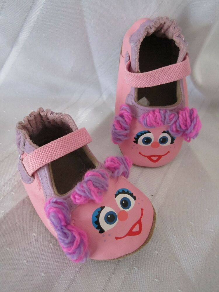 ROBEEZ Baby Girl Shoes Soft Soled Sole Sesame Street 3D