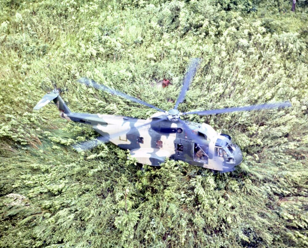 jolly green giant helicopter vietnam with 201078018588 on Coast Guard 2 Marine Helicopters Collide Off Hawaiis Oahu 365412101 in addition 824 together with Detail as well 2830 together with Can someone help id this chopper and  prehend.