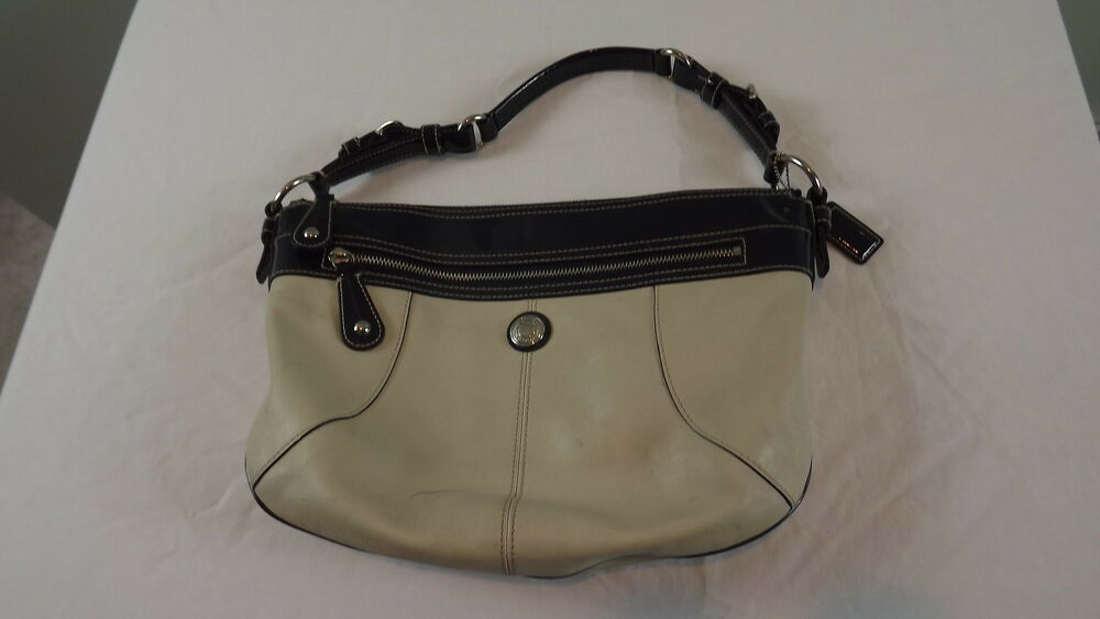 Coach C1026 F14886 Laura Purse Hobo Taupe Amp Navy | eBay