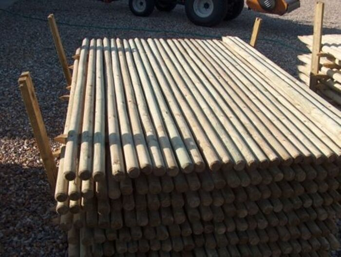1 5m 5ft Tall 40mm Round Wooden Pointed Treated Fence