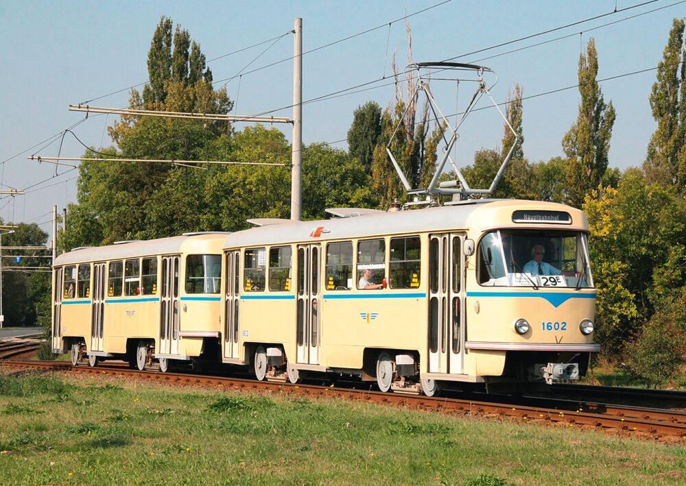 ansichtskarte historischer tatra zug t4d triebwagen 1602 leipzig stra enbahn ebay. Black Bedroom Furniture Sets. Home Design Ideas