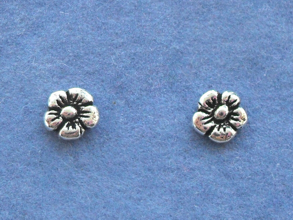 Pair sterling silver 925 tiny flower stud earrings ebay for Gemsprouts tiny plant jewelry