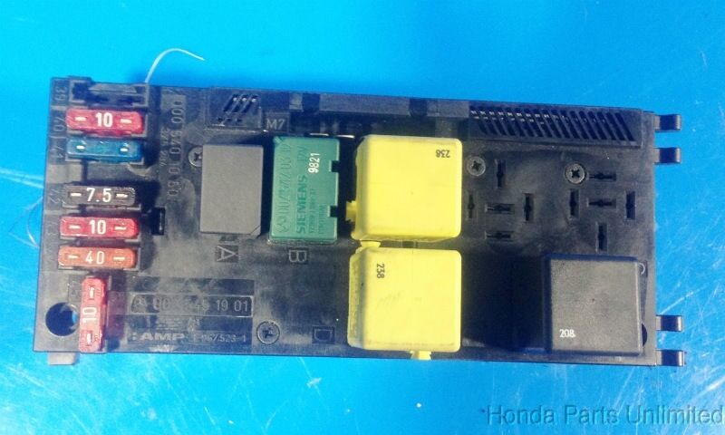 98-02 benz e320 w210 oem fuse box with fuses relays ... mercedes benz e350 fuse box diagram mercedes benz w210 fuse box