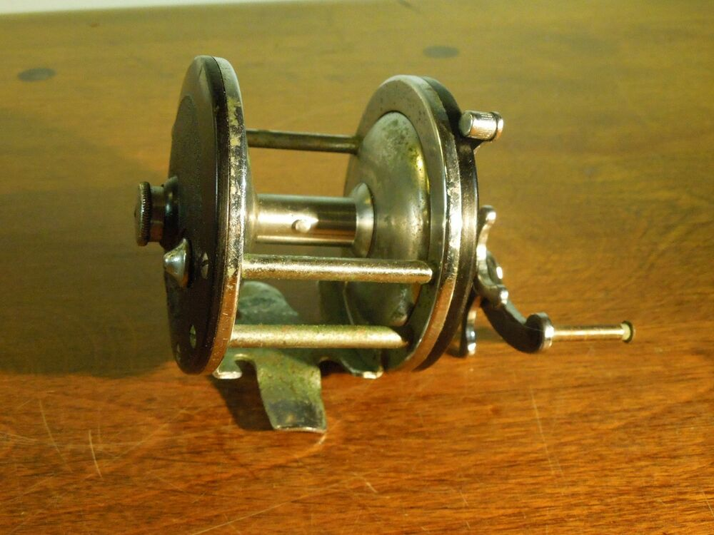 Vintage penn fishing reel ebay for Antique fishing reels