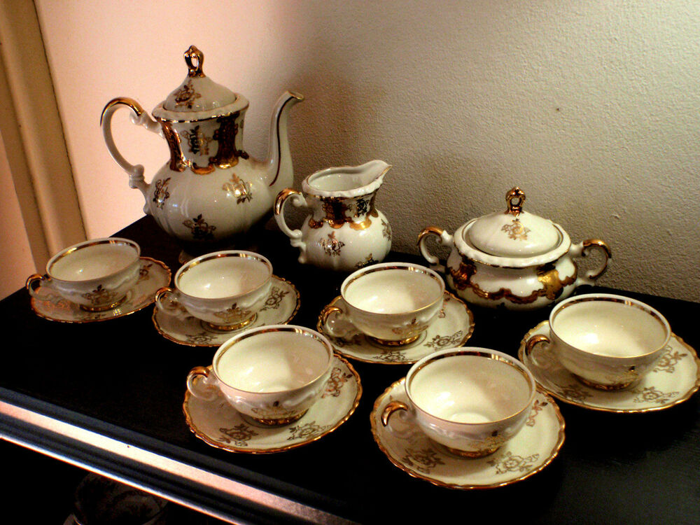 white and gold mitterteich bavaria full set 6 cups saucers teapot etc 038 ebay. Black Bedroom Furniture Sets. Home Design Ideas