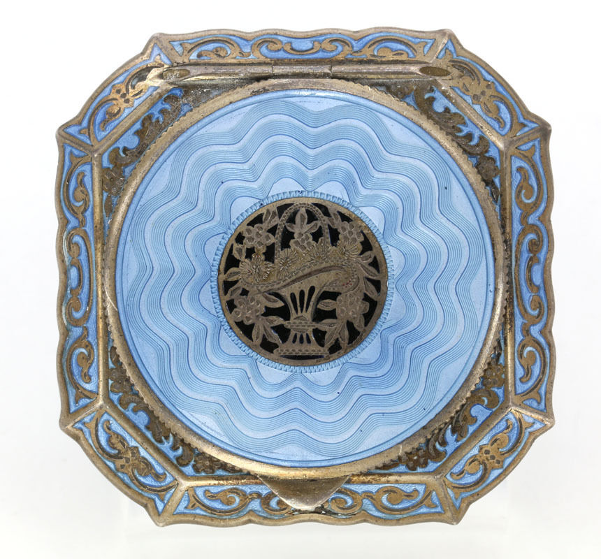 Agree, this Vintage compacts for
