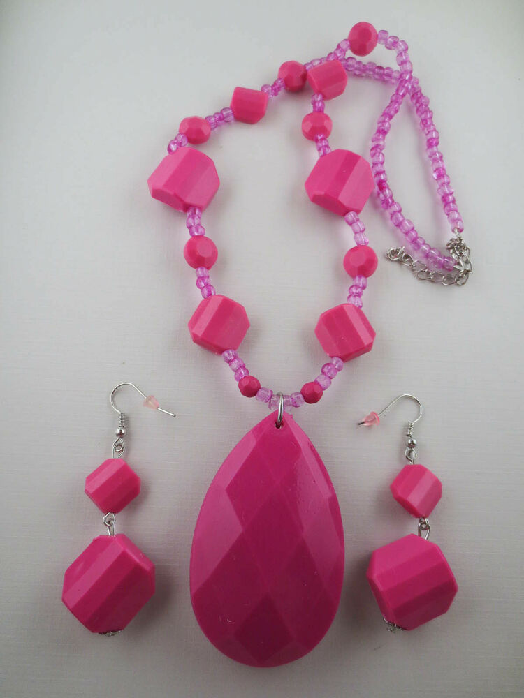 Faceted Pink Plastic/Glass Bead Large Pendant Necklace ...