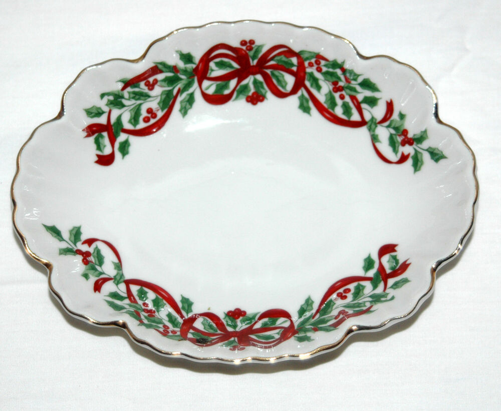 Centurion collection japan christmas holly and ribbon