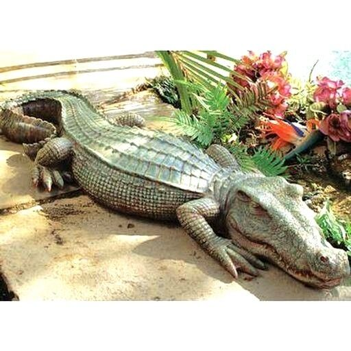 Alligator sculpture swamp beast crocodile decorat garden for Alligator yard decoration