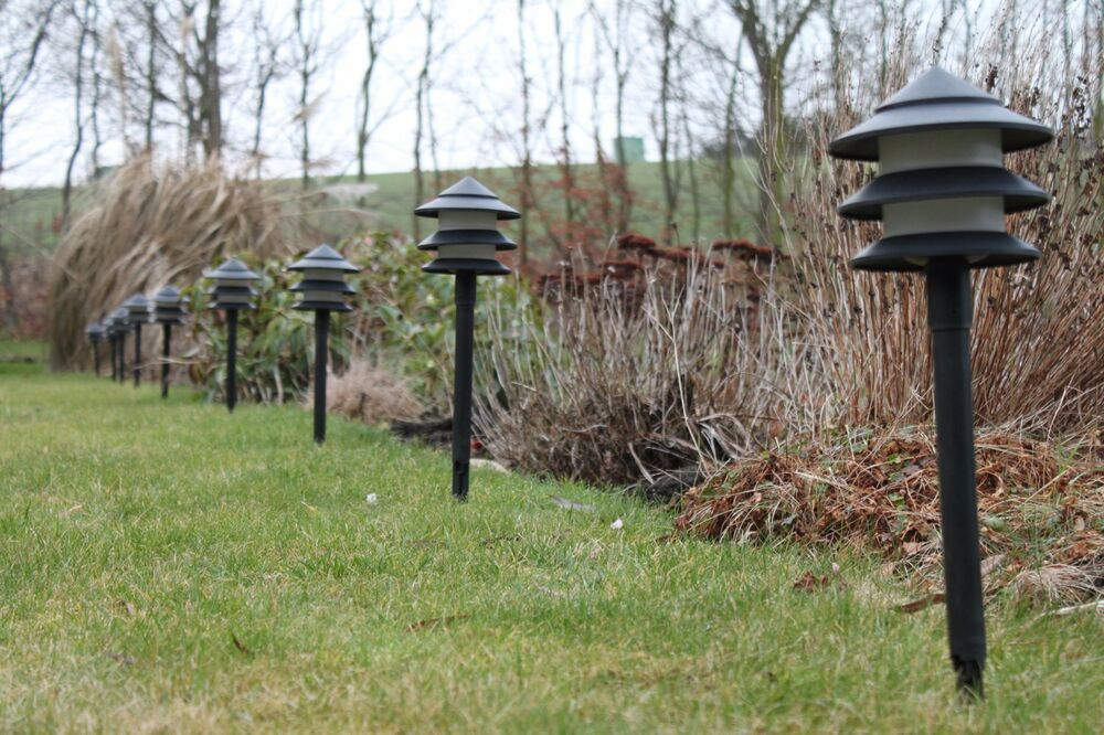 Low Energy Garden Lighting  Set of 10 Pagoda Low Voltage Pathway Lights EU Plug 5055576415340