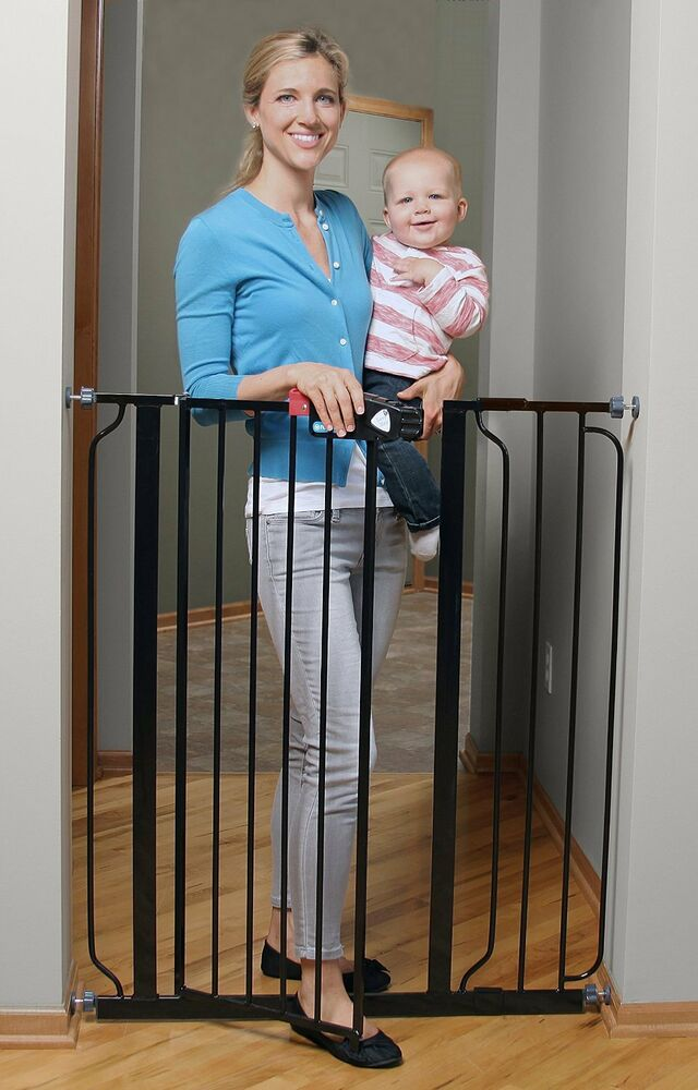 Regalo Deluxe Easy Step Extra Tall Walk Thru Baby Pet