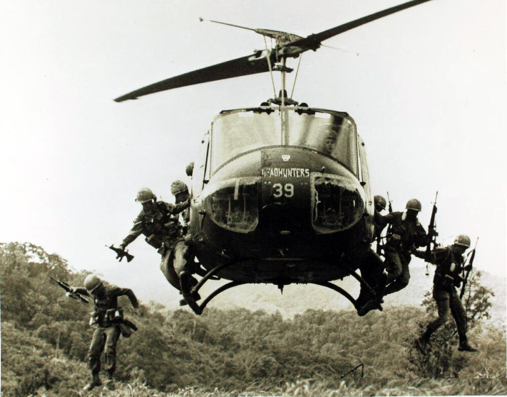 Elicottero Uh 1 : Uh huey helicopter u s troops vietnam war photo