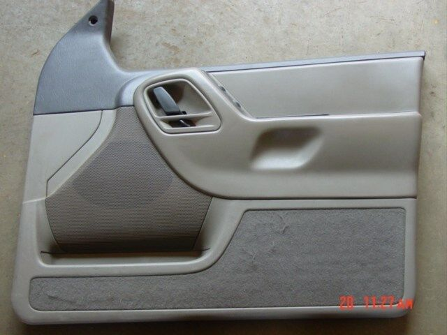 99 04 jeep grand cherokee laredo door panel taup grey rf wj gray passengers side ebay. Black Bedroom Furniture Sets. Home Design Ideas