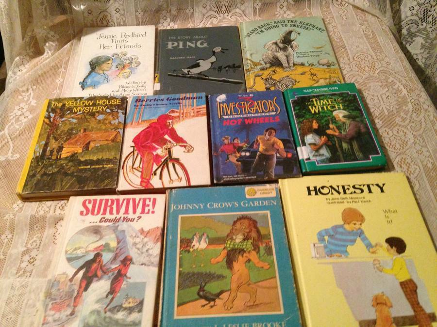WEEKLY READER BOOKS LOT OF