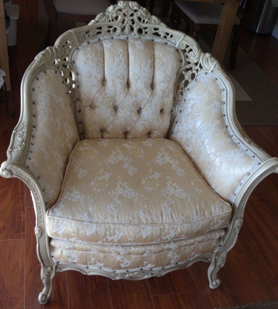 Excellent Italian/French Provincial Chair Sofa Furniture