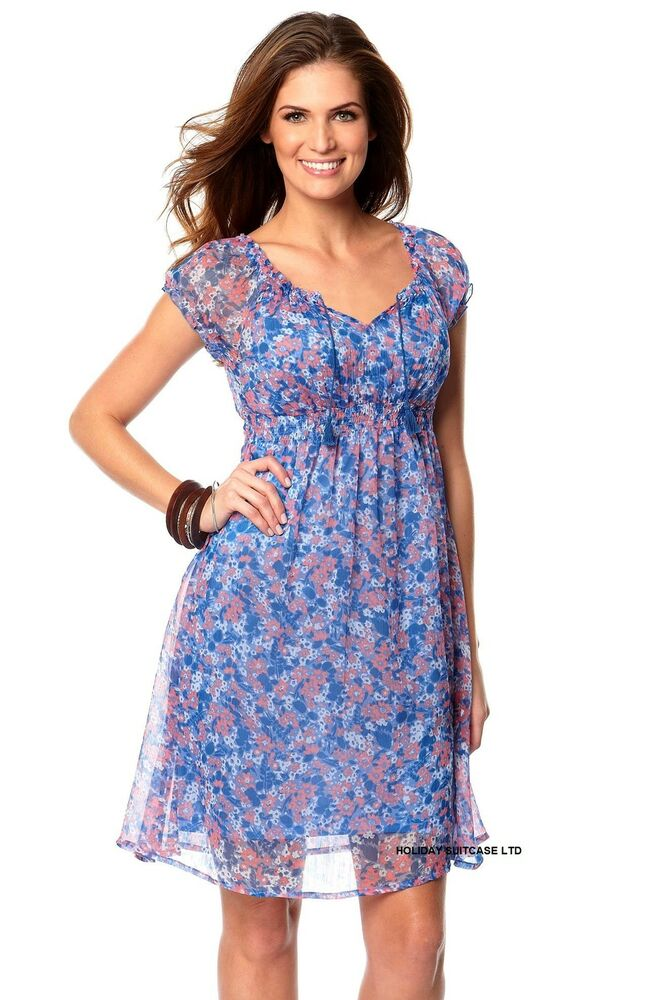 A size twelve women's dress is a size fourteen in Great Britain and a size forty-two in standard European sizes. Skirts and Shorts Skirts and shorts are typically sized in either extra-small, small, medium, large and extra-larges or sized using standard sizing.