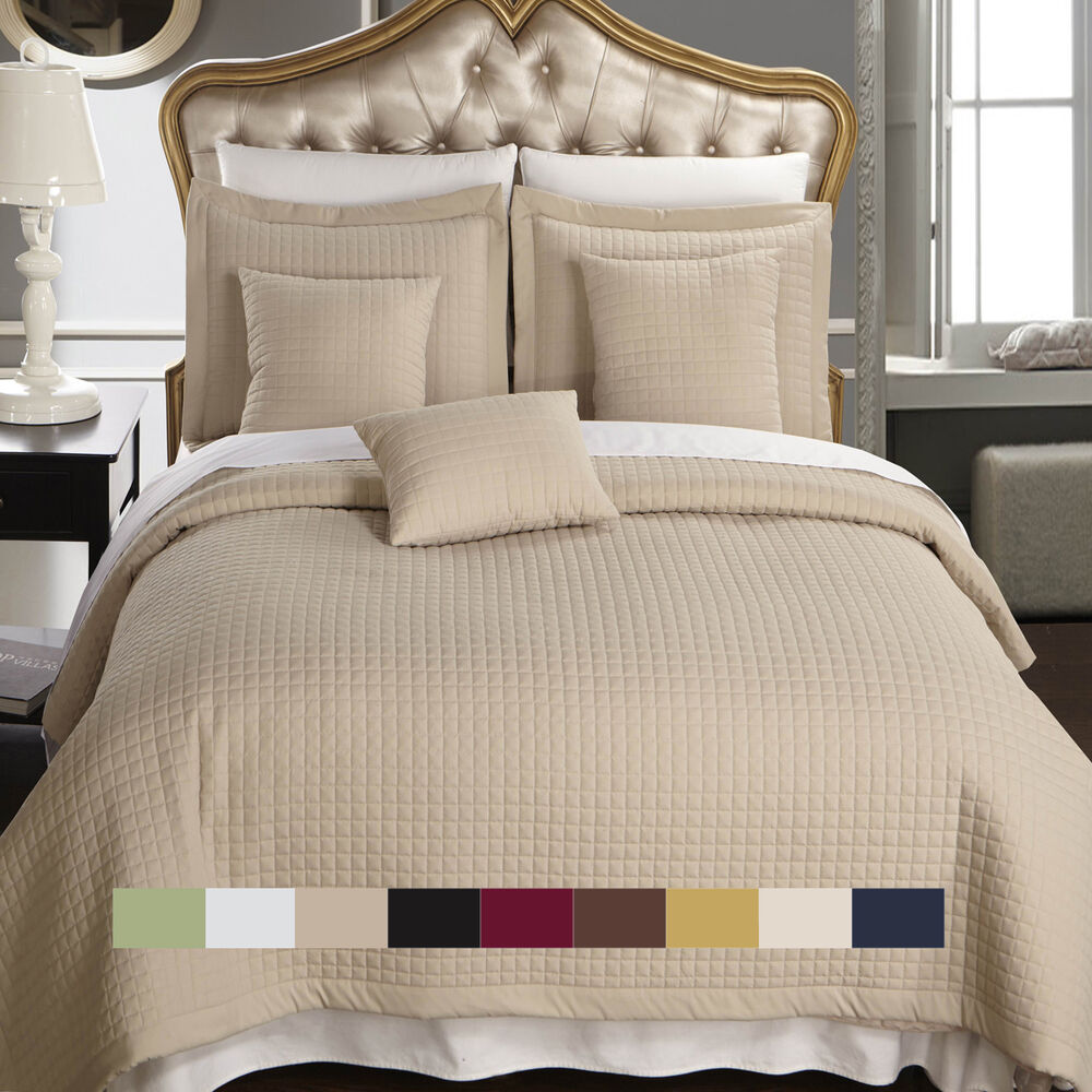 Luxury Checkered Quilted Wrinkle Free Coverlet Bedspread
