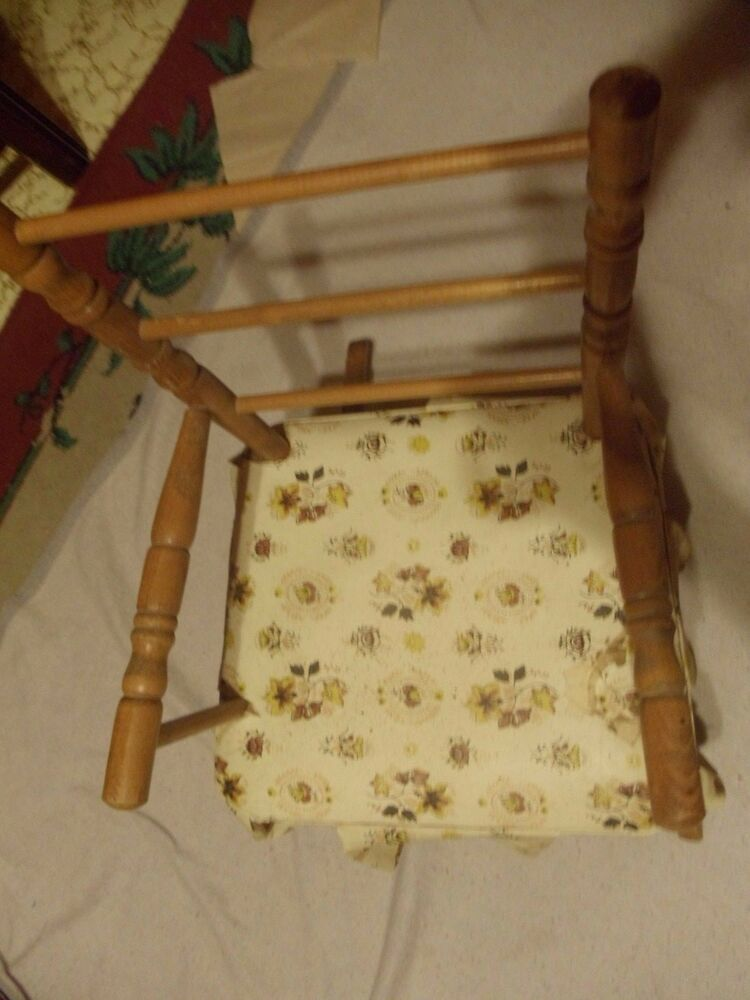 VINTAGE CHILDRENS WOODEN BROWN ROCKING CHAIR ANTIQUE WITH