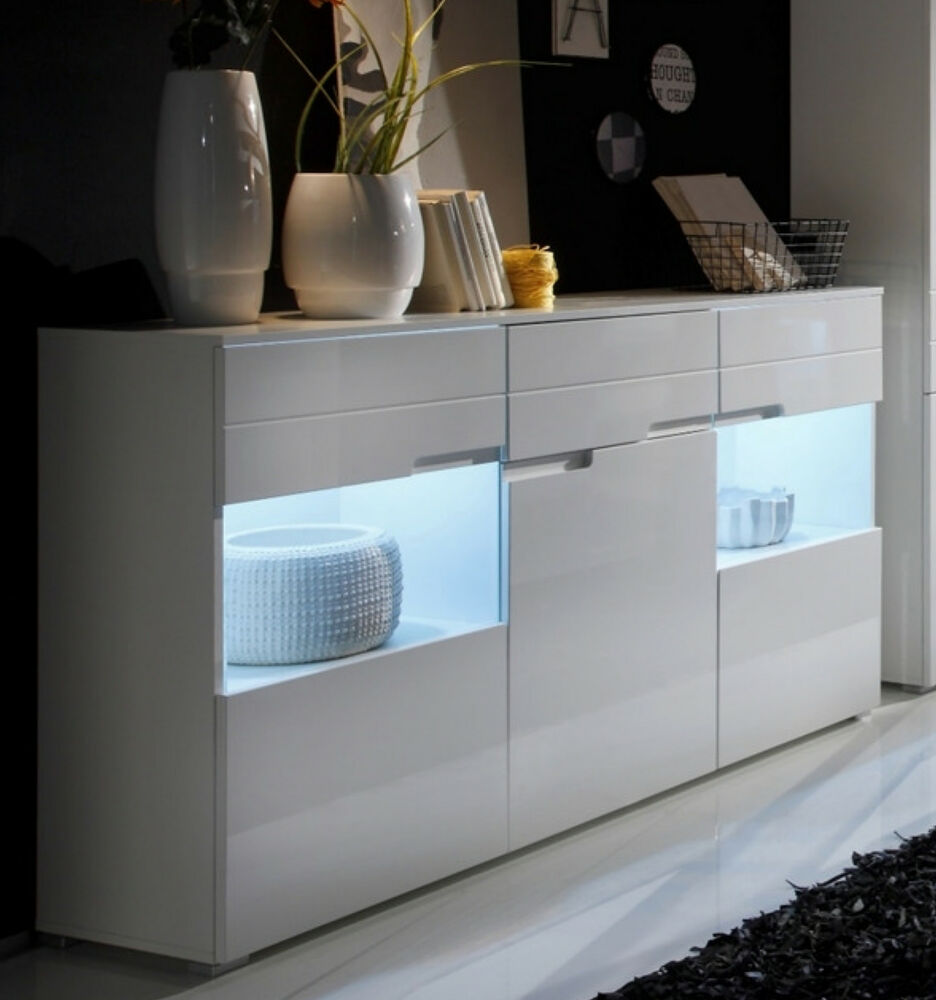 sideboard in weiss hochglanz mit led beleuchtung anrichte schrank woody 61 00107 ebay. Black Bedroom Furniture Sets. Home Design Ideas